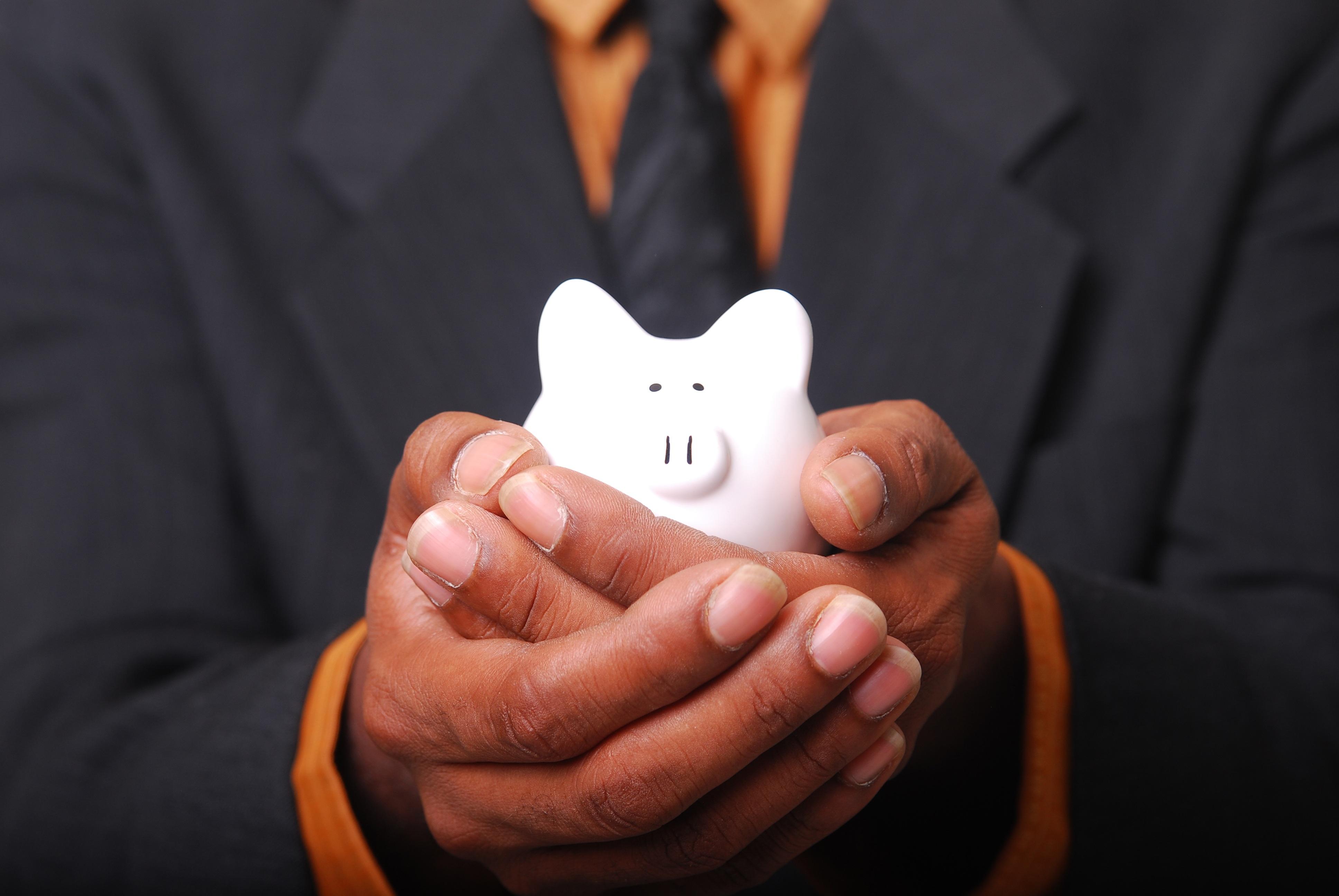 Geld sparen durch Eigenleistungen - Sparschwein